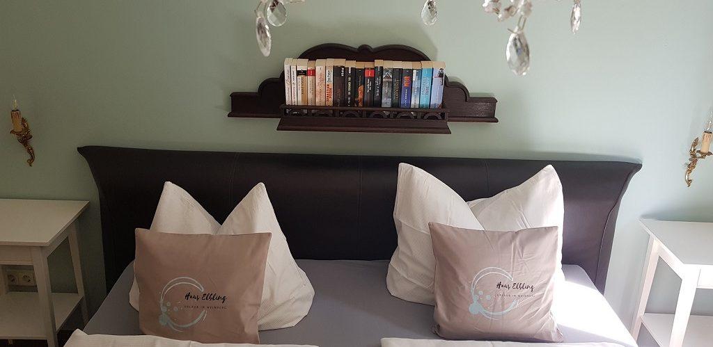 Bett und Leseecke